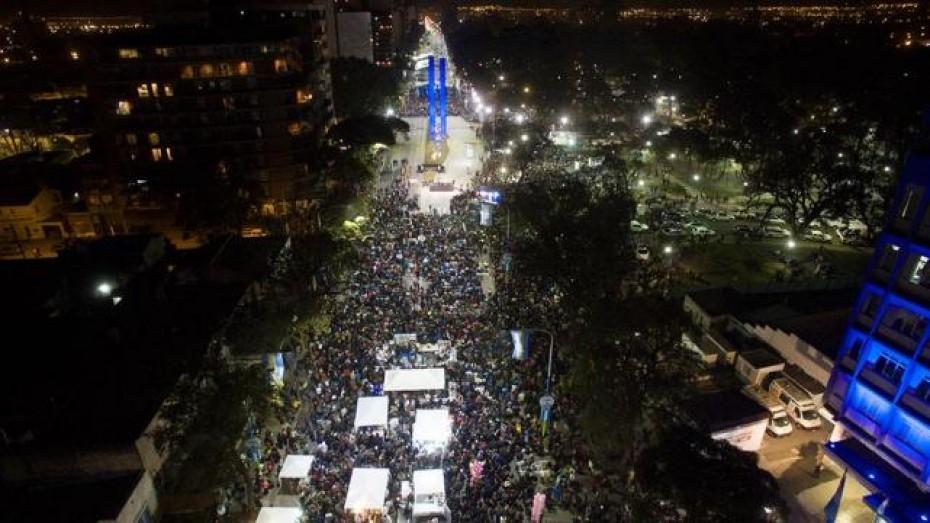 Una multitud dio marco a la inauguración del Monumento del ...
