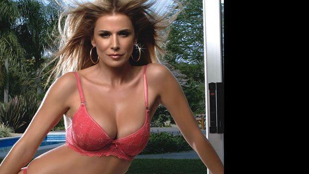 Flavia Palmiero en Playboy