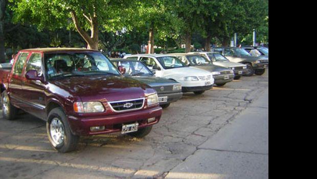 Advierten que es ilegal el cobro de estacionamiento en calles del centro
