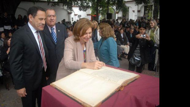 La Escuela Sarmiento recuperó su edificio de la ex Legislatura