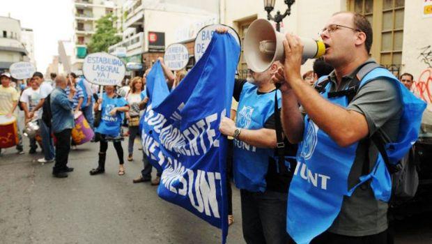 ADIUNT inicia otra jornada de protesta con un día más de paro