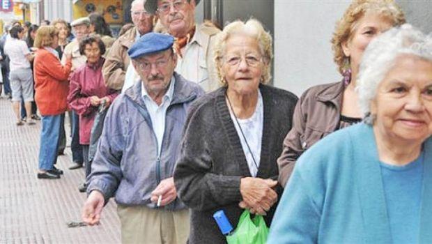 Se adelantará el pago de jubilaciones y AUH