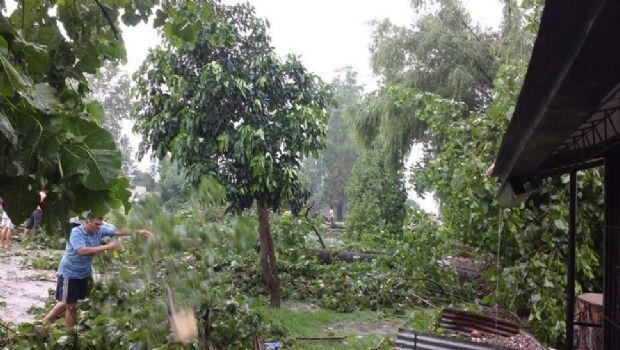 Tormentas con viento y granizo azotan el sur de la provincia