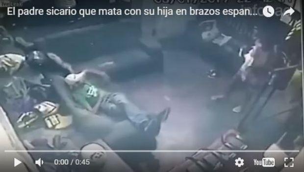 Sicario que asesina con su hija en brazos se vuelve viral en Brasil