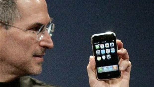 Se cumplen 10 años desde que Steve Jobs presentó el primer iPhone