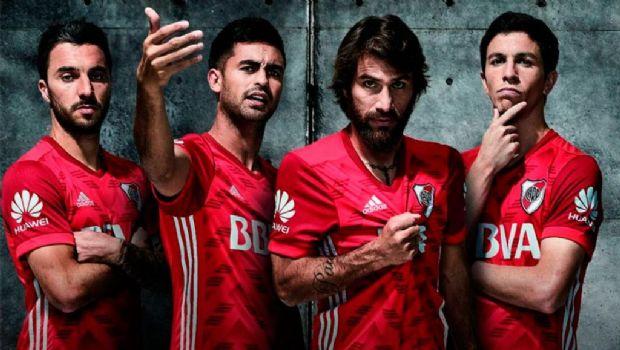 River recibirá a Atlético con nueva indumentaria