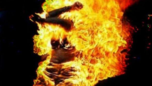 Prendió fuego a su marido y terminó presa