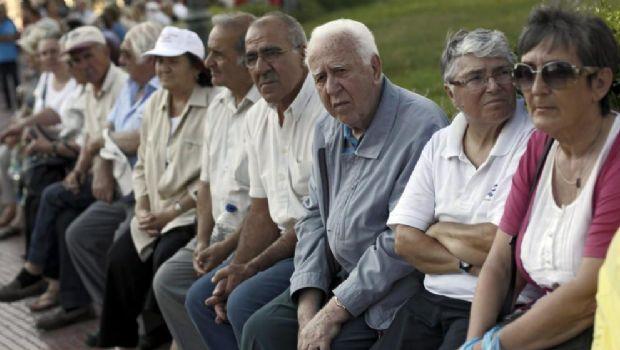 Jubilados y beneficiarios de AUH sin bono de fin de año