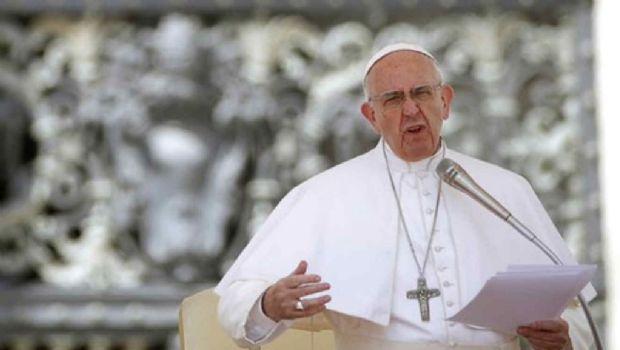 """Para el papa Francisco abortar es igual a """"contratar un sicario"""""""