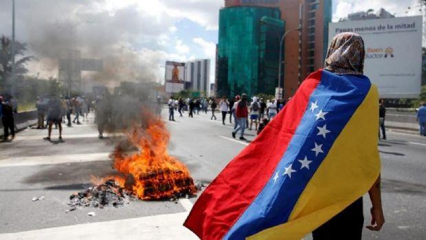 Resultado de imagen para violencia en venezuela durante elecciones