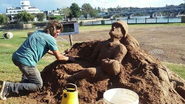 Expondrán una escultura de arena en el Museo Folclórico