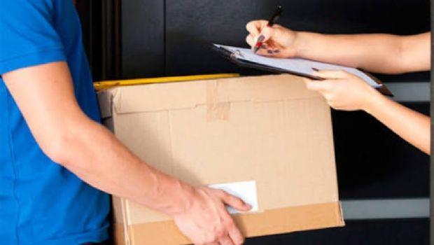 Enviá su hijo al orfanato por el correo dentro de una caja
