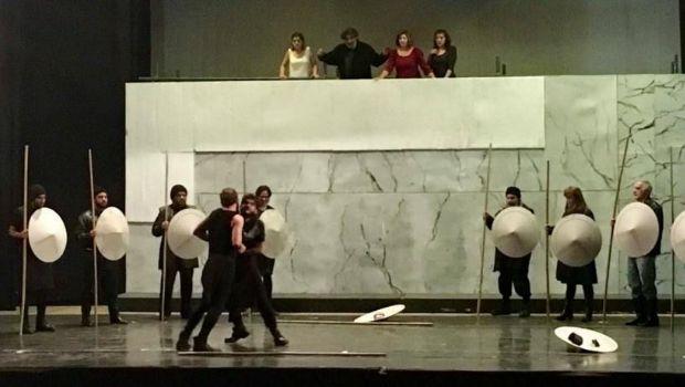 Ilíada, versión teatral de Guillem Clua  se presenta en Tucumán