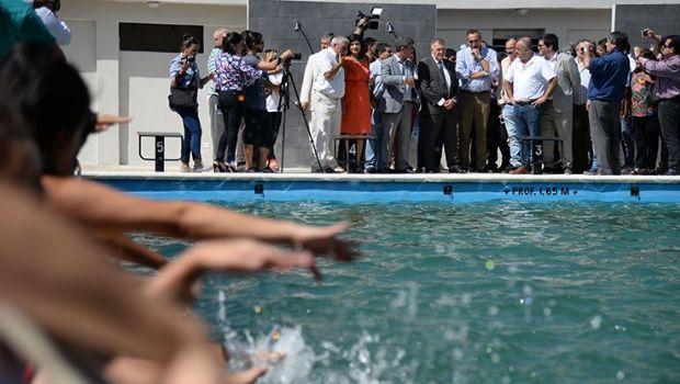 Inauguraron la primera pileta pública climatizada de Tafí Viejo