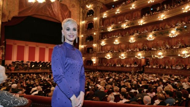 Katy Perry visitó el Teatro Colón