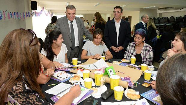 Desayuno coloquio: mujeres debatieron sobre violencia de género