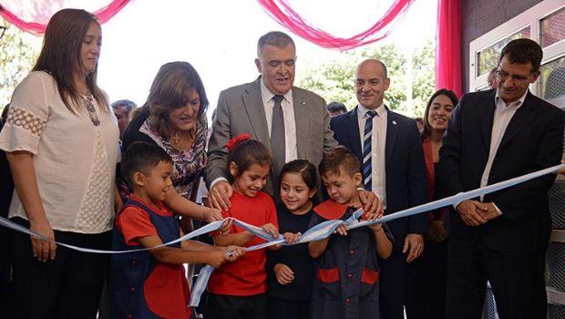 Los niños de Lastenia estrenan un nuevo jardín de infantes