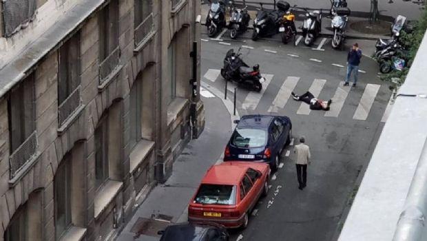 Un hombre atacó con un cuchillo a varias personas en París