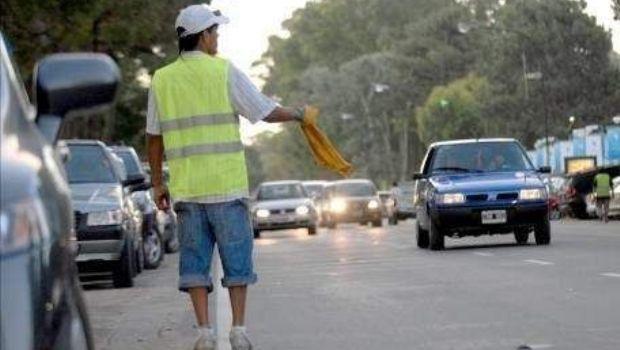 La municipalidad de la capital licitará el estacionamiento callejero