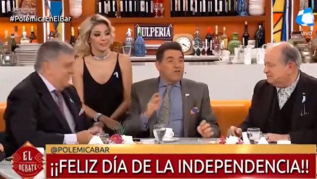 """En """"Polémica en el bar"""" se rieron del desfile del 9 de Julio"""