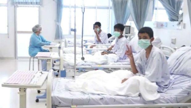 Las primeras imágenes de los chicos rescatados en Tailandia