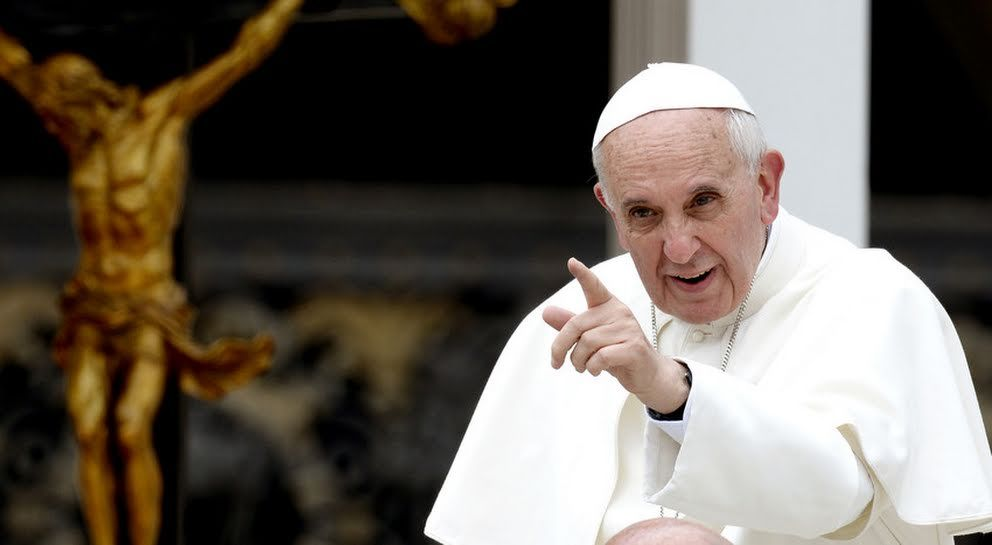 Papa promete