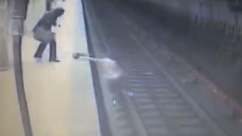 Joven embarazada es arrojada a las vías del metro y muere aplastada