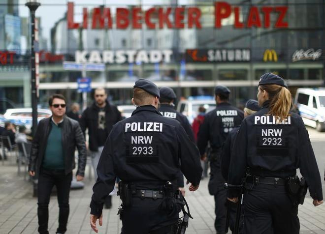 Cierran centro comercial en Alemania por posible atentado