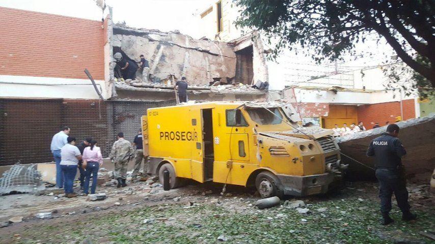 Denuncian asalto a compañía de carros blindados en Paraguay