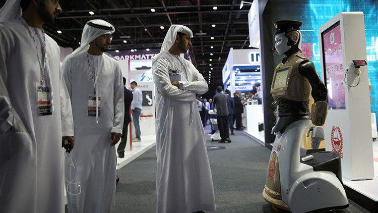 El primer robot policía del mundo fue presentado en Dubái