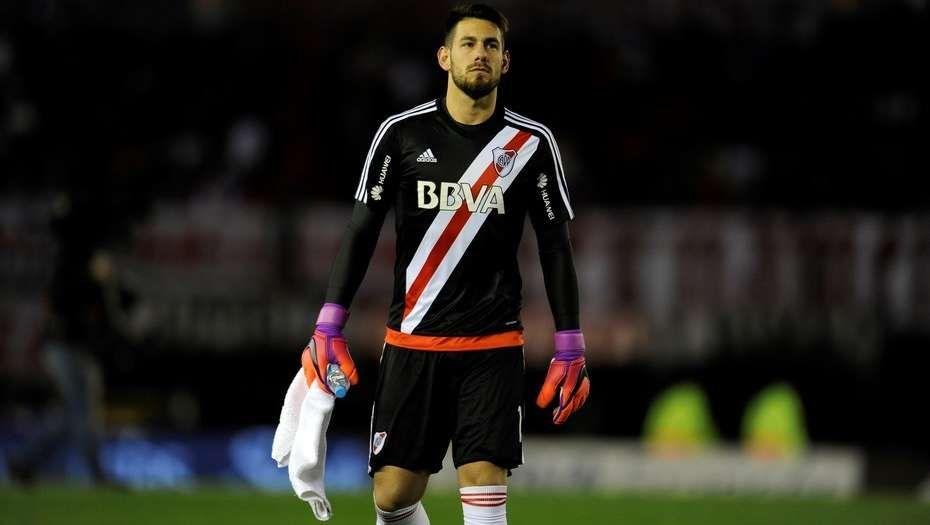 Augusto Batalla llega esta noche para sumarse a Atlético