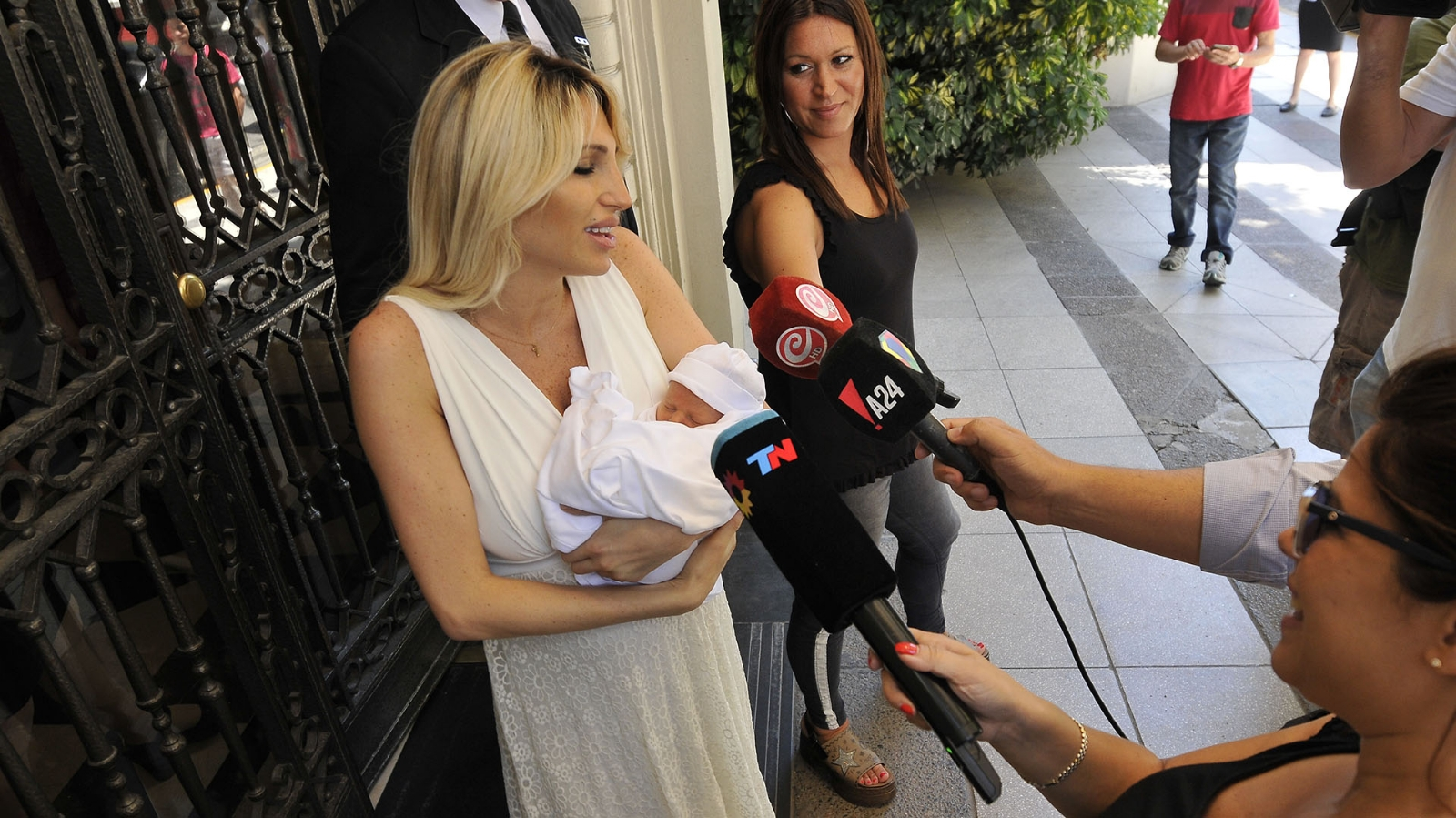 Vicky Xipolitakis Nude Photos 5