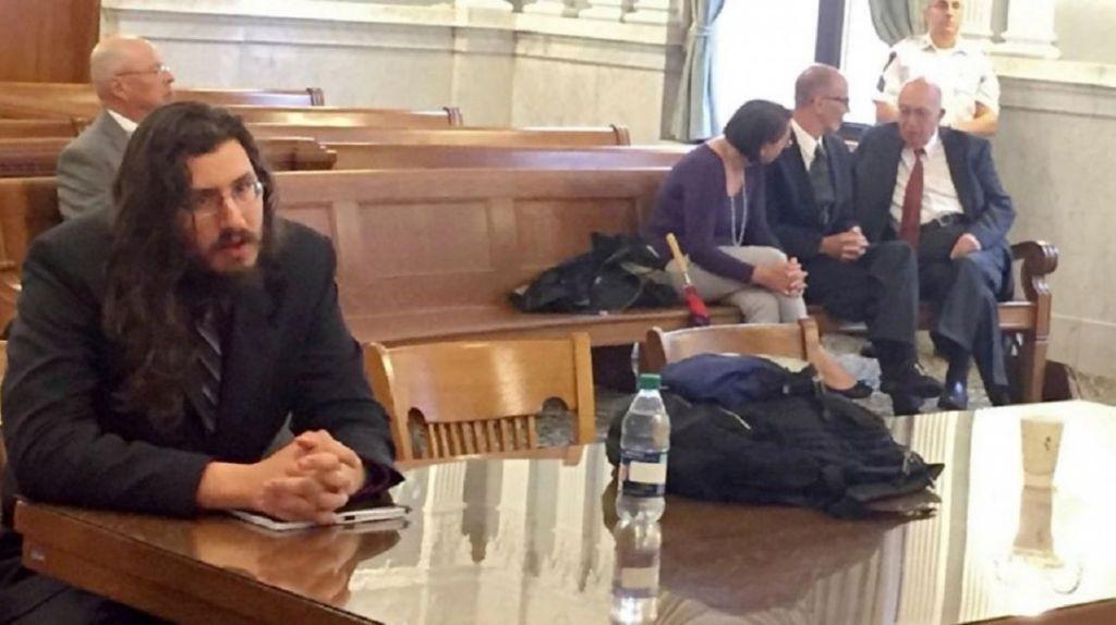 Nueva YorK : Juez lo echó de la casa por vago