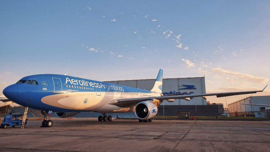 Mañana parte el vuelo que traerá al país la vacuna rusa