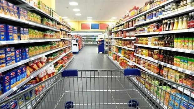 Argentina devalúa, pero los supermercados son más caros que en Europa