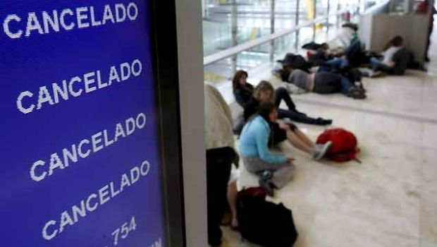 Ya son más de 110 vuelos cancelados en todo el país