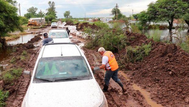 Cuatro personas murieron y hay más de 3 mil evacuados por las inundaciones en el litoral