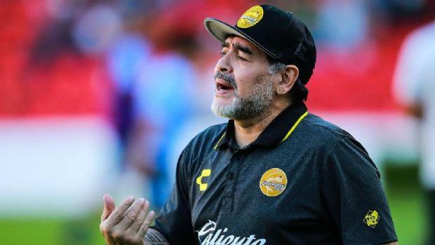 Diego Maradona es operado por su sangrado en el estómago