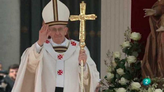 """En su homilia de Reyes el Papa Francisco llamó a imitar su """"generosidad y humildad"""""""