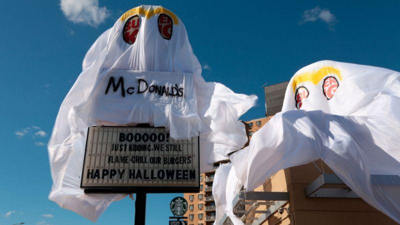 "Burger King se disfrazó de McDonald's para ""asustar"" en Halloween"
